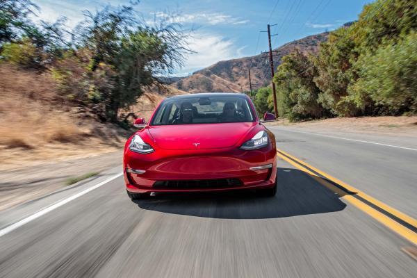 Tesla-Model-3-front-end-in-motion